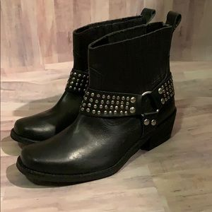 Ecoté Black Studded Leather Boots
